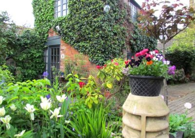 oundle-cottage-breaks-garden-shots-23