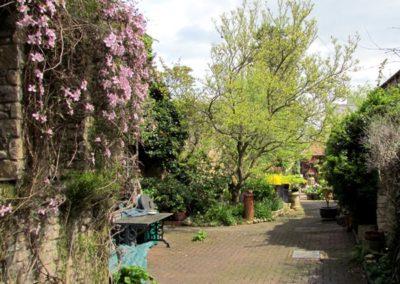 oundle-cottage-breaks-garden-shots-29