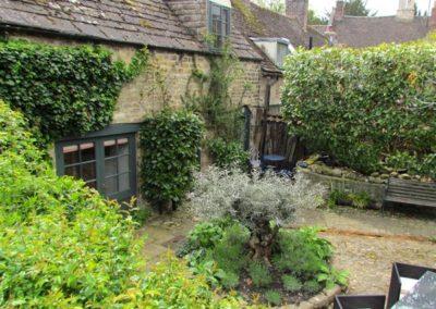 oundle-cottage-breaks-garden-shots-39